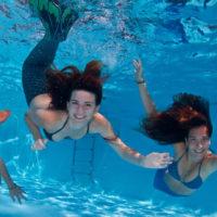 Sirenas nadando